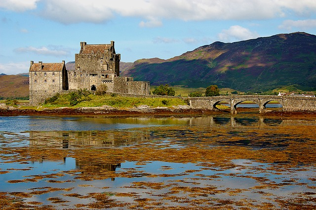 Eilean Donan, is a small island in Loch Duich in the western Highlands of Scotland. It is connected to the mainland by footbridge close to Dornie.